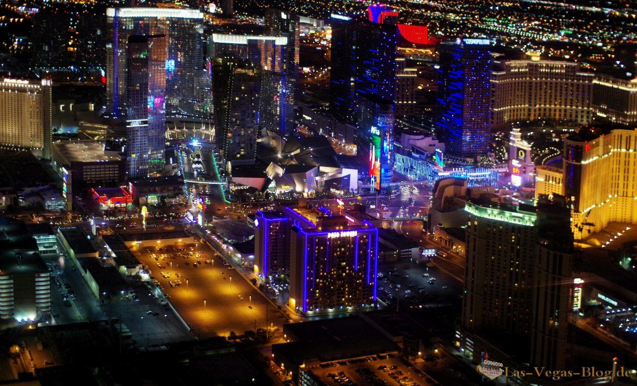 Flamingo hotel las vegas bei nacht aus dem heliopter - Las Vegas City Center Im Zentrum Des Strips Aus Dem Helikopter